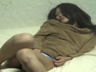 Fuzzy asian babe rubbing