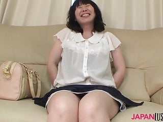 Mature Nozomi Iwahashi gets hairy pussy creampied