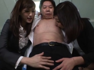 Dick gets deep inside racy Ichika Kanhata's wet putz