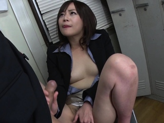 Japanese secretary, Asuka Kyono sucks dick, uncensored